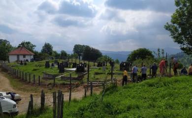 Ječmišta: Uređeno mjesno groblje