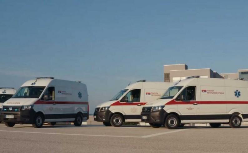 Poklon Vlade Srbije: Savremeno sanitetsko vozilo fočanskom Domu zdravlja