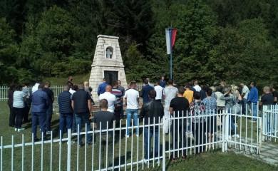 Papratna njiva: 28 godina od stravične pogibije 42 srpskih civila i vojnika
