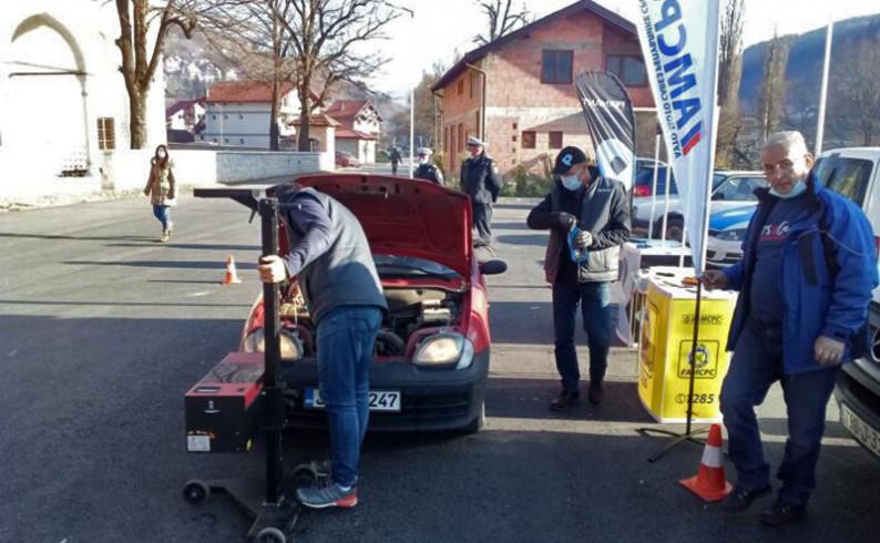 Akcija AMS u Foči: Vozila uglavnom dobro pripremljena za zimske uslove