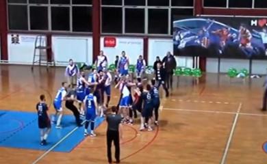 Tuča na utakmici Sokolac-Sutjeska (video)
