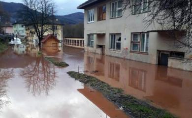 Bistrica poplavila dvije stambene zgrade u Miljevini