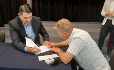 Potpisani ugovori o samozapošljavanju i zapošljavanju boračkih kategorija