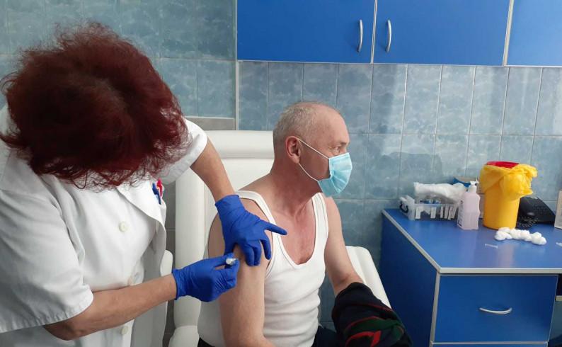 Vakcinacija u Foči teče po planu: Prvu dozu vakcine primilo oko 2 700 građana