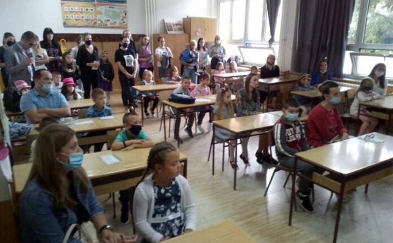 U čarobni svijet škole zakoračilo 137 fočanskih prvačića