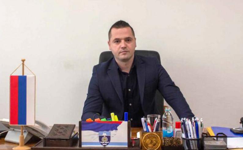 Vukadinović: Podignimo zastave za naše jedinstvo, slobodu i slogu