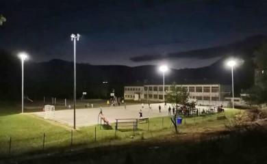 Pregalaštvom mladih u Miljevini osvijetljeno igralište i izgrađene tribine